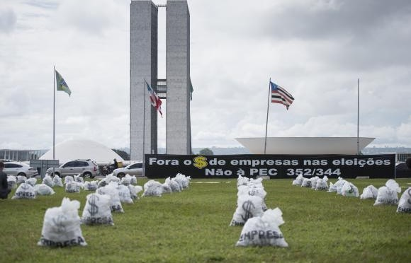 Entidades protestam contra financiamento empresarial de campanhas eleitorais