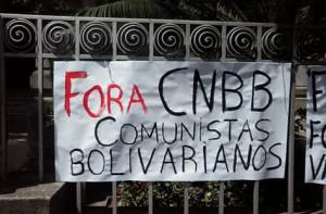 Faixa contra a CNBB