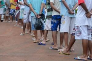 Adolescentes infratores no antigo Centro de Atendimento Juvenil Especializado (CAJE), em Brasília. (Foto: Marcelo Camargo/Agência Brasil)