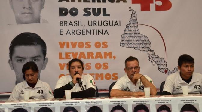 México: pais de estudantes desaparecidos percorrem a América do Sul