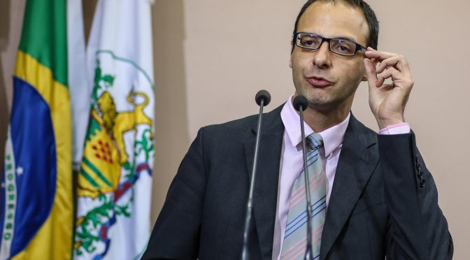 Ministério Público quer reabrir Queermuseu
